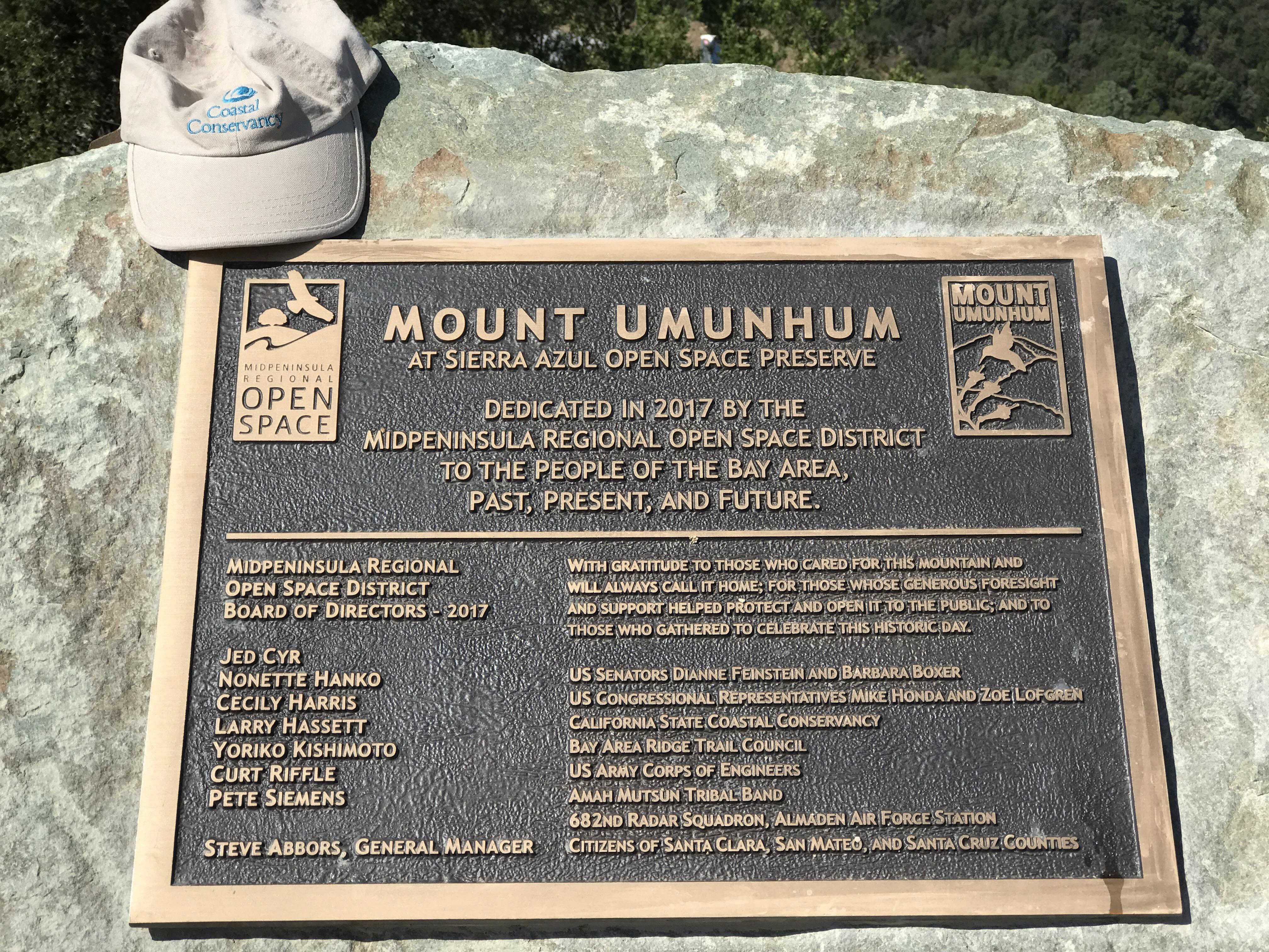 Mt Um plaque
